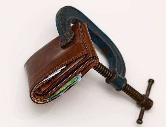 Carteira orçamento apertado
