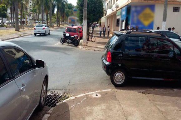 Saiba como estacionar o veículo perto de uma esquina